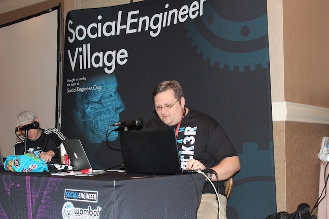 12 StartingCalls Social Engineer and DEF CON 21